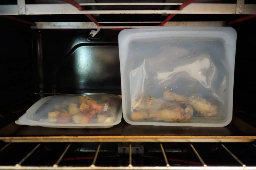 Reheating food in a reusable bag in the oven